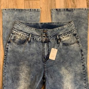 SUZANNE BETRO EMBROIDERED JEANS